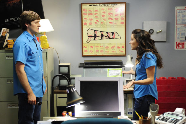 A scene from Raising Hope - Germ Of A Story - Season 1, Episode 13.