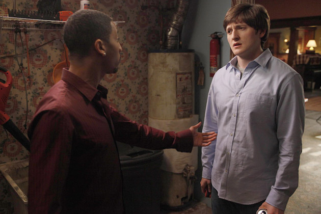 A scene from Raising Hope - Romeo And Romeo - Season 1, Episode 12.