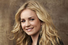 Lux (played by Britt Robertson)