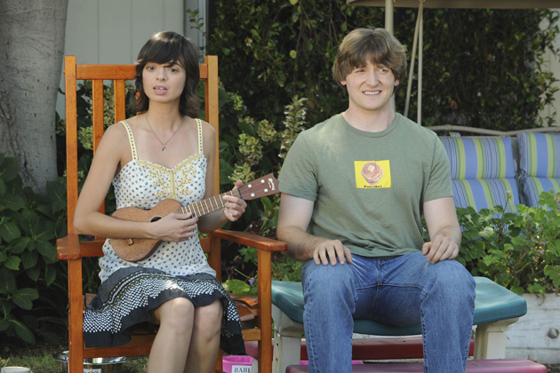 "(L-R): Shelly (Kate Micucci) and Jimmy (Lucas Neff) in ""Dead Tooth."""
