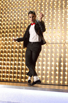 Blaine does Michael.