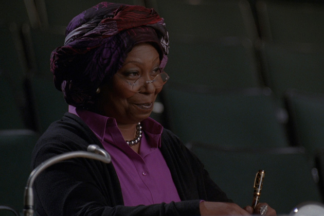 Whoopi Goldberg guest stars on Glee!