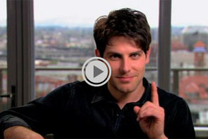 David Giuntoli answers fan questions about Grimm