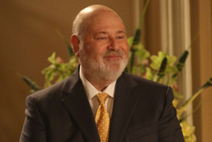 Rob Reiner is back as Jess' dad