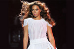 Beyonce Premieres Mrs Carter Show Video Diary